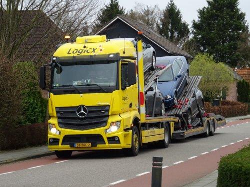 Mercedes-Benz Actros MP4, foto van dickt