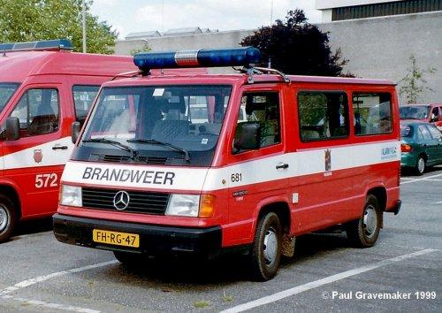 Mercedes-Benz MB100, foto van Paul Gravemaker