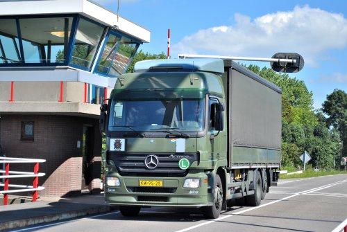 Mercedes-Benz Actros MP2, foto van Lucas Ensing