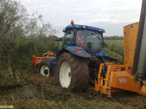 New Holland Onbekend, foto van vastgereden