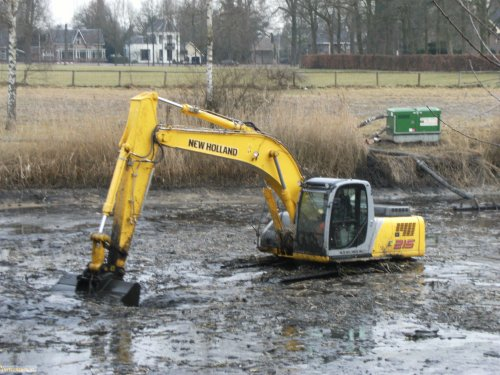 New Holland Kraan, foto van vastgereden
