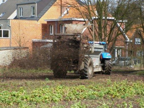 New Holland T 6030, foto van XC 70