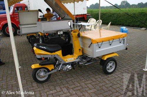 CargoBee bakbrommer (motorfiets), foto van Alex Miedema