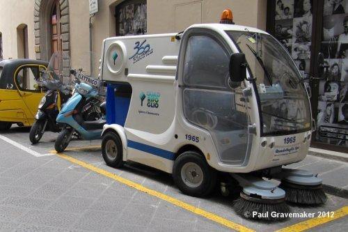 ISAL 360 Electrica Power sweeper (vrachtwagen, foto van Paul Gravemaker