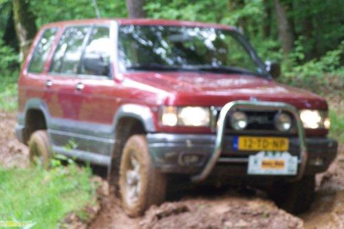 Opel Monterey, foto van vastgereden