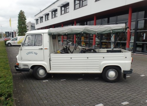 Renault Estafette, foto van dickt