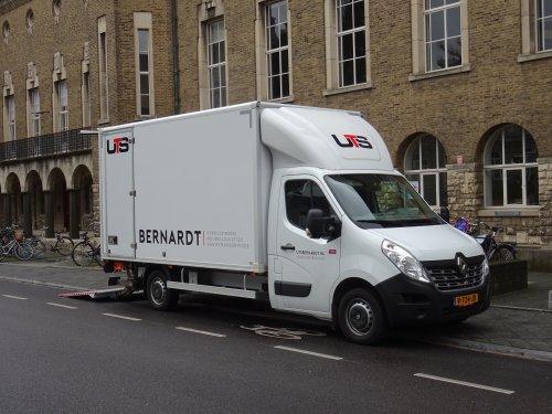 Renault Master, foto van dickt