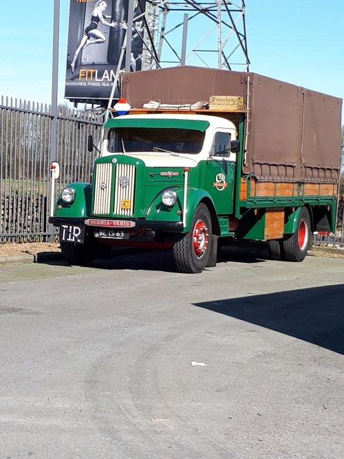 Scania-Vabis L55 (vrachtwagen), foto van regenboog