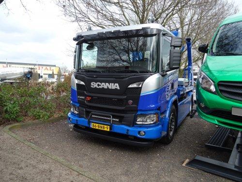 Scania P500 XT, foto van dickt