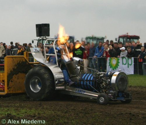 tractor pulling Tractorpulling, foto van Alex Miedema