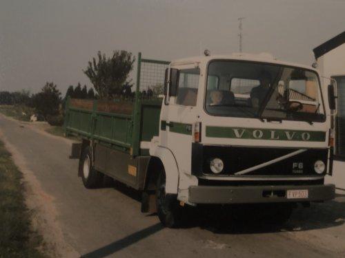Volvo F6, foto van New Kobelco
