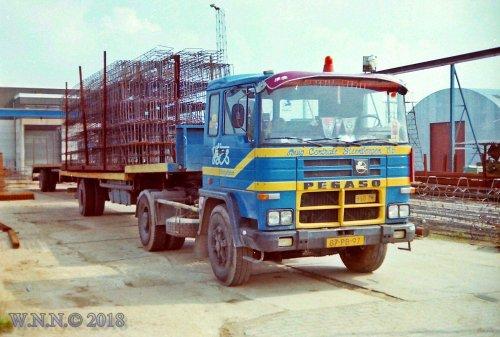 vrachtwagen Pegaso, foto van bernard-dijkhuizen