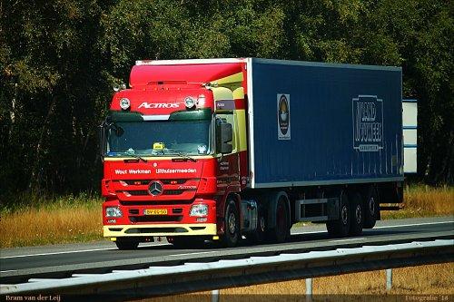 vrachtwagen Mercedes, foto van Bram van der Leij