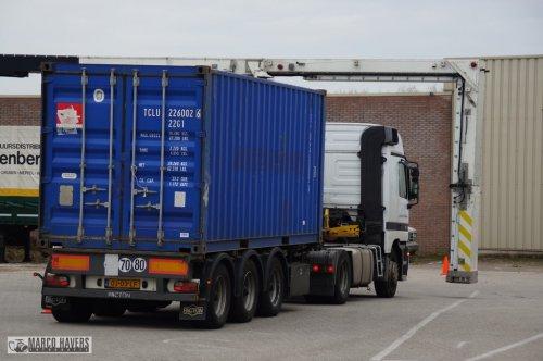 vrachtwagen Mercedes, foto van marco-havers