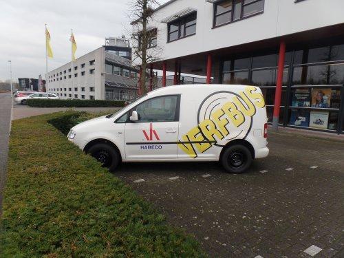 VW Caddy van dickt