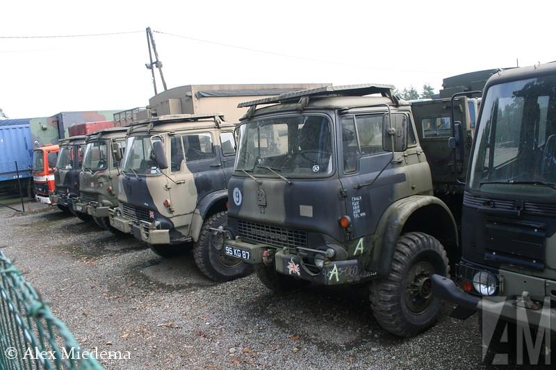 BedEnkele decennia terug was Bedford het best verkochte truckmerk van Nederland. Ze waren zo gewoon, dat niemand er aan dacht ze op de foto te zetten of te bewaren. Bedxford was de bedrijfswagentak van Vauxhall, wat op haar beurt weer de Britse evenknie van Opel was. Allemaal onder de vlag van General Motors uiteraard. In 1987 hield Bedford er mee op, onder de naam AWD werd de productie van legervoertuigen nog kort voortgezet. In Duitsland is de BedEnkele decennia terug was Bedford het best verkochte truckmerk van Nederland. Ze waren zo gewoon, dat niemand er aan dacht ze op de foto te zetten of te bewaren. Bedfxord was de bedrijfswagentak van Vauxhall, wat op haar beurt weer de Britse evenknie van Opel was. Allemaal onder de vlag van General Motors uiteraard. In 1987 hield Bedfxord er mee op, onder de naam AWD werd de productie van legervoertuigen nog kort voortgezet. In Duitsland is de Bedford CF nog enige tijd als Bedford Blitz verkocht toen de Opel Blitz uit productie was. ford CF nog enige tijd als Bedford Blitz verkocht toen de Opel Blitz uit productie was. ford TK