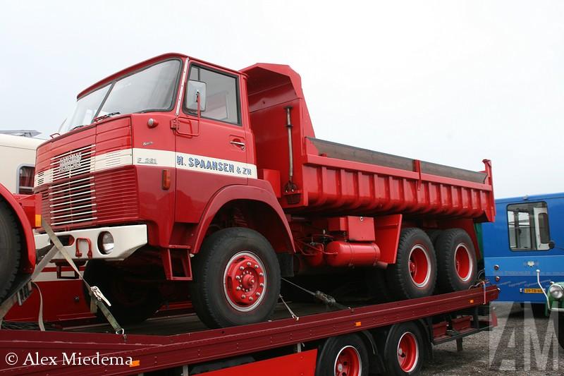 Hanomag-Henschel F261