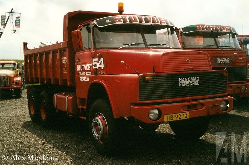 Hanoheeft maar een relatief korte tijd bestaan. Sinds 1964 hoorden zowel Hanomag als Henschel al tot het Rheinstahl-concern, de fusie in 1969 was dus een logische stap. Daimler-Benz had toen al een vinger in de pap, die invloed werd steeds groter, totdat het bedrijf helemaal op was gegaan in het grote concern en de naam mag-Henschel H261