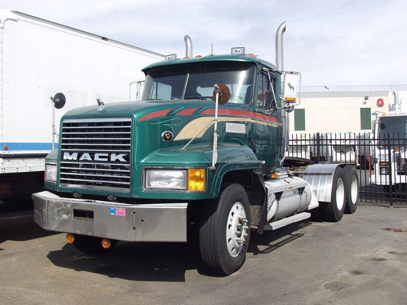 Mack CL