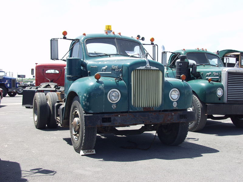 Mack B66