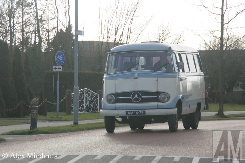 Mercedes-Benz O319
