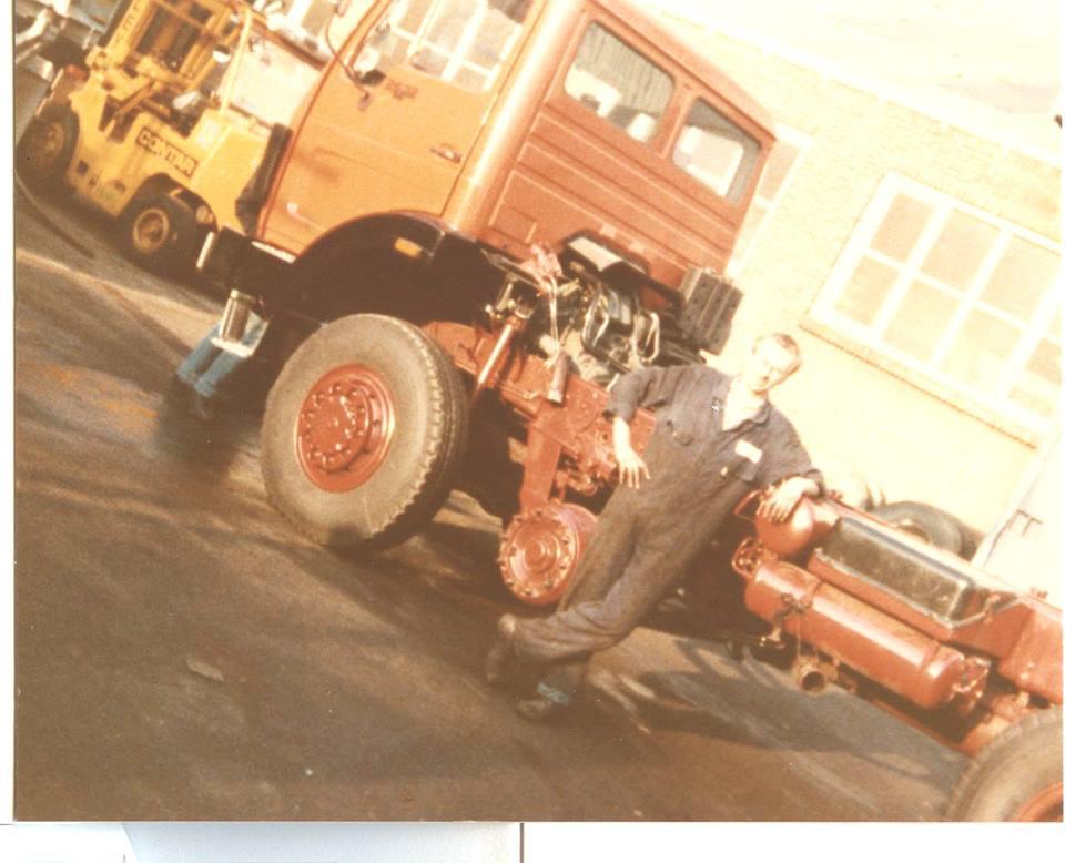 Mergam  bouwde haar eerste truck in 1981. De naam was een samenvoeging van Mercedes en Van Gorp's Automobiel Maatschappij (GAM), de Mercedes-Benz dealer voor regio Rotterdam destijds. De basis was een Mercedes-Benz 2632AK 6x6 chassis. Deze werd door Contar verlengd en een as bij geplaatst, waarna hij bij Van Gorp afgebwoud werd. Waarschijnlijk zijn er maar drie stuks gebouwd. In 1983 kwam Mercedes-Benz zelf met vierassers voor de Nederlandse markt, bij NAW (voormalige Saurer fabriek) in Zwitserland gebouwd, daarmee was de 8x6