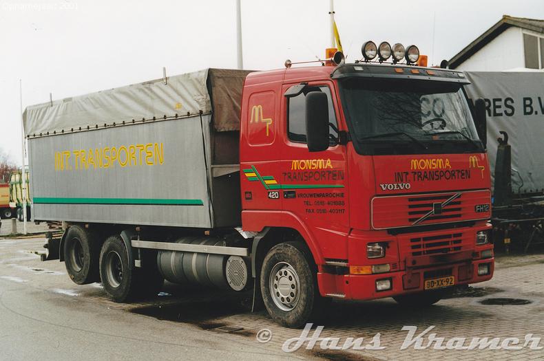 Volvo FH12 1st gen BD-XX-92 BD-XX-92 Ten tijde van de eerste foto was de truck net bij Monsma aangekomen, hij staat hier op het terrein in Vrouwenparochie. De foto van een paar maanden daarna is bij carrosseriebouwer De Groot in Stiens op de stoep genomen. Door de rode grille was de truck altijd gemakkelijk te herkennen tussen de andere Monsma trucksTen tijde van de eerste foto was de truck net bij Monsma aangekomen, hij staat hier op het terrein in Vrouwenparochie. De foto van een paar maanden daarna is bij carrosseriebouwer De Groot in Stiens op de stoep genomen. Door de rode grille was de truck altijd gemakkelijk te herkennen tussen de andere Monsma trucksTen tijde van de eerste foto was de truck net bij Monsma aangekomen, hij staat hier op het terrein in Vrouwenparochie. De foto van een paar maanden daarna is bij carrosseriebouwer De Groot in Stiens op de stoep genomen. Door de rode grille was de truck altijd gemakkelijk te herkennen tussen de andere Monsma trucksTen tijde van de eerste foto was de truck net bij Monsma aangekomen, hij staat hier op het terrein in Vrouwenparochie. De foto van een paar maanden daarna is bij carrosseriebouwer De Groot in Stiens op de stoep genomen. Door de rode grille was de truck altijd gemakkelijk te herkennen tussen de andere Monsma trucks