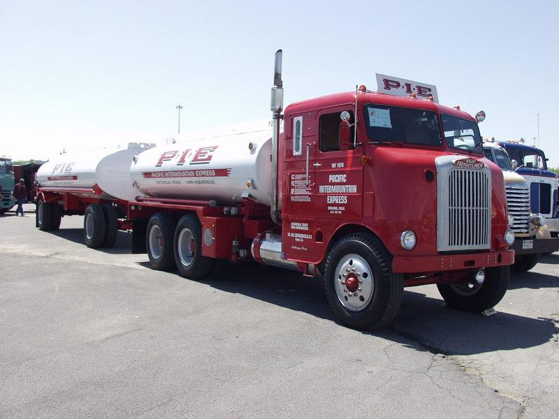 White Freightliner WF64